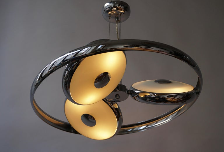 One off Three Adjustable Italian Glass and Chrome Ufo Chandeliers For Sale 2