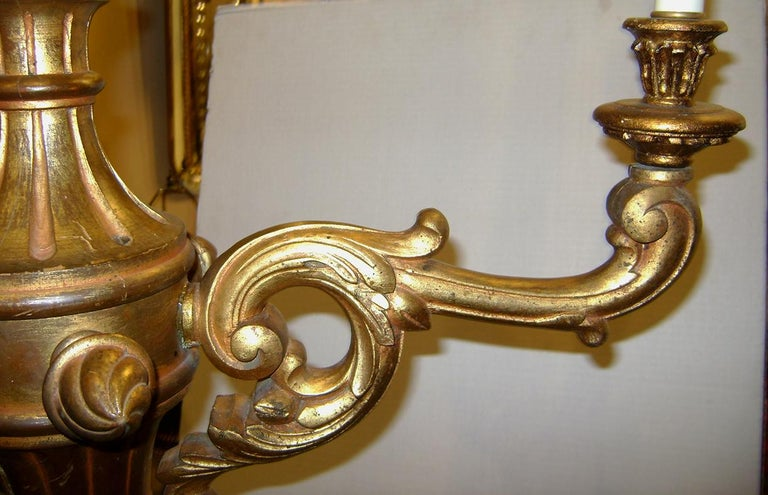 Set of Three Antique Italian Giltwood Chandeliers In Good Condition For Sale In New York, NY