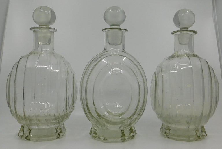 Set of Three circa 1930 Art Deco French Clear Glass Liquor Decanter Bottles For Sale 3