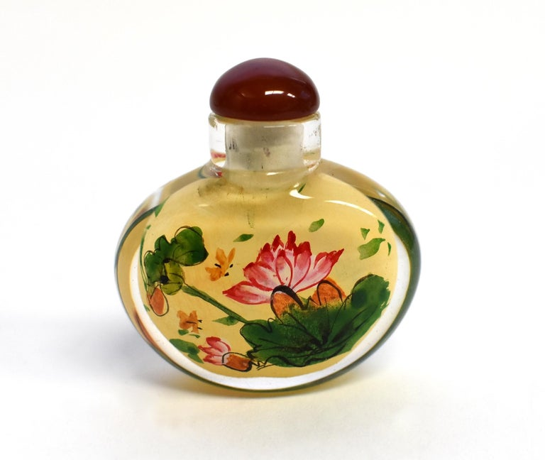 Set of Three Eglomise Reverse Painted Snuff Bottles with Lotus For Sale 6