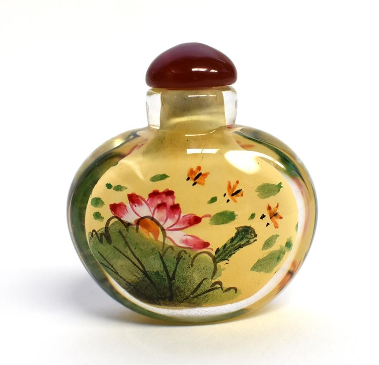 Set of Three Eglomise Reverse Painted Snuff Bottles with Lotus For Sale 2