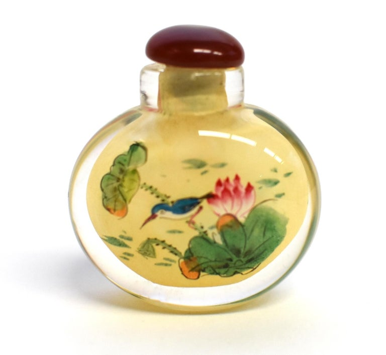 Set of Three Eglomise Reverse Painted Snuff Bottles with Lotus For Sale 3