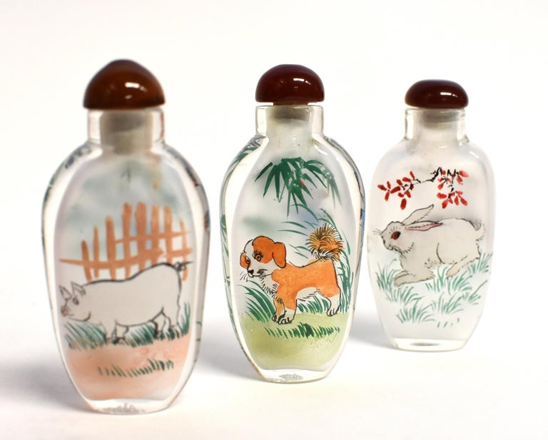 Set of Three Eglomise Reverse Painted Snuff Bottles with Zodiac Animals For Sale 3