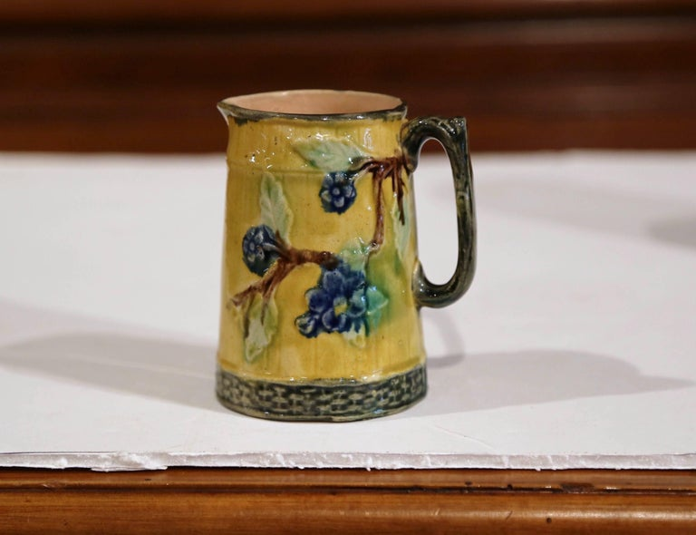 Set of Three French 19th Century Hand-Painted Ceramic Barbotine Pitchers For Sale 4