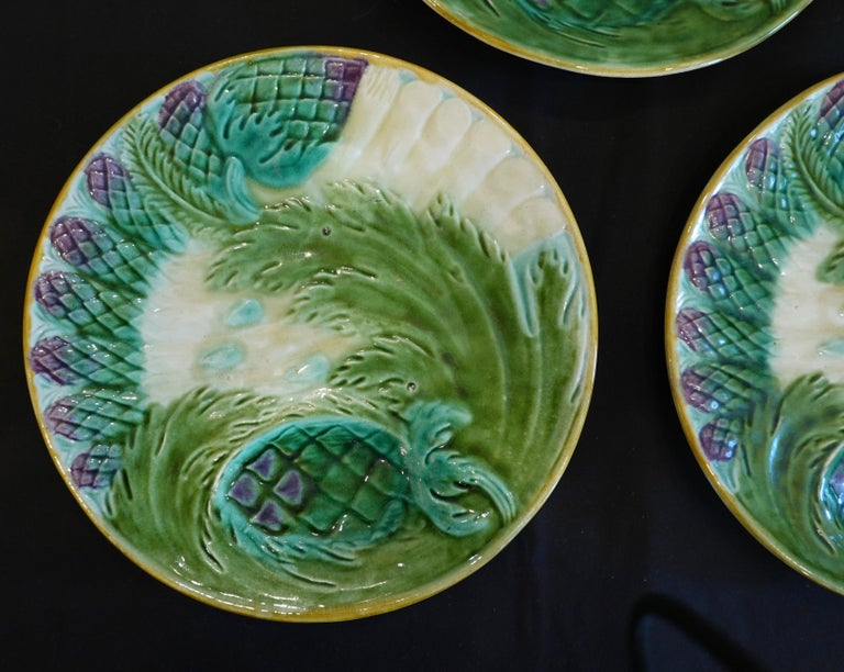 Set of Three French Majolica Asparagus Plates by Saint Amand In Good Condition For Sale In Charleston, SC