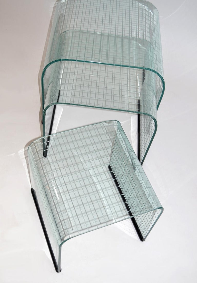 Italian Set of Three Glass Side Nesting or Stacking Tables, Fiam, Italy, 1980s For Sale