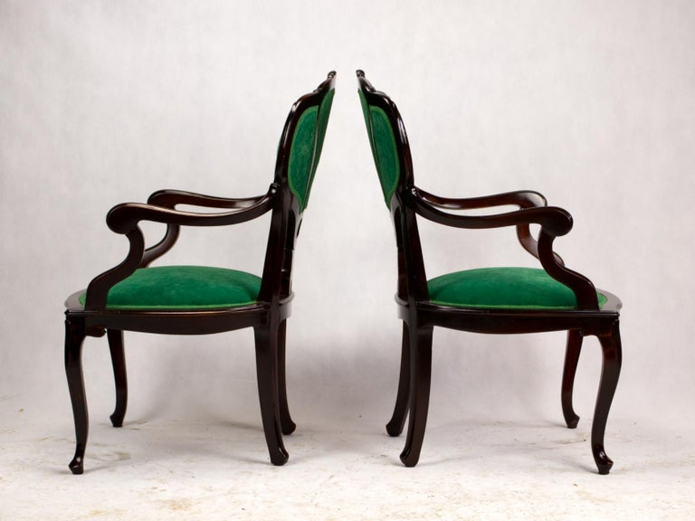 Set of Three Hand Carved Art Nouveau Chairs, circa 1900 For Sale 1