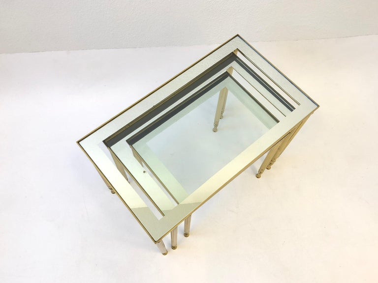 Set of Three Italian Brass and Glass Nesting Tables by Maison Baguès In Good Condition For Sale In Palm Springs, CA