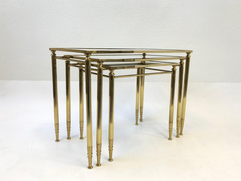 Set of Three Italian Brass and Glass Nesting Tables by Maison Baguès For Sale 2