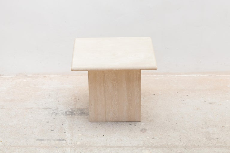 Set of Three Italian Modern Travertine Coffee Tables, Nesting Tables In Good Condition For Sale In Antwerp, BE