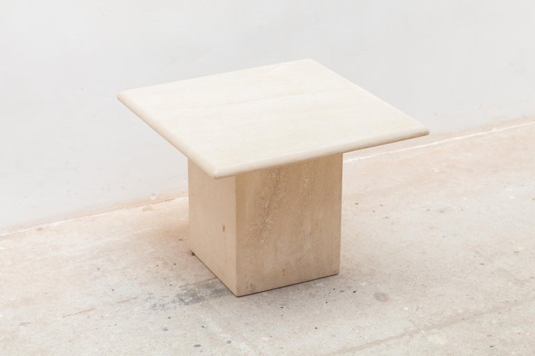 Set of Three Italian Modern Travertine Coffee Tables, Nesting Tables For Sale 1