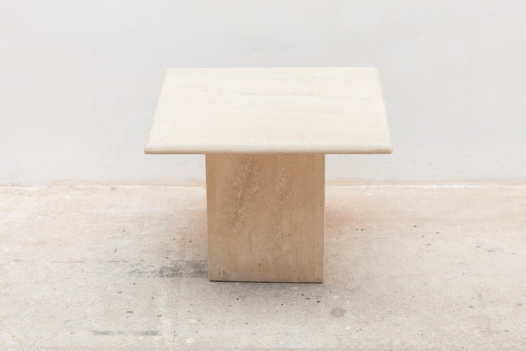 Set of Three Italian Modern Travertine Coffee Tables, Nesting Tables For Sale 2