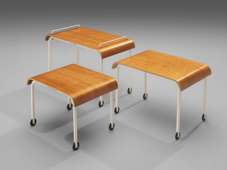Mid-Century Modern Set of Three Italian Nesting Tables on Wheels in Metal and Plywood For Sale