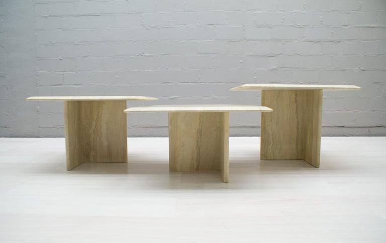 Set of Three Italian Travertine Side or End Tables, 1970s In Good Condition For Sale In Nürnberg, Bayern