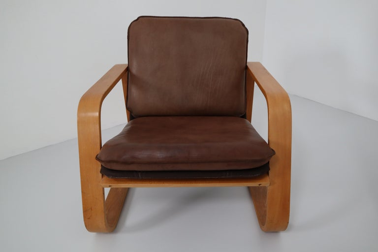 Set of Three Lounge Chairs, Patinated Leather and Bentwood, France, 1970s For Sale 4