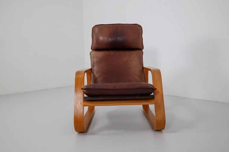 Mid-Century Modern Set of Three Lounge Chairs, Patinated Leather and Bentwood, France, 1970s For Sale