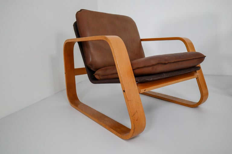 Set of Three Lounge Chairs, Patinated Leather and Bentwood, France, 1970s For Sale 3