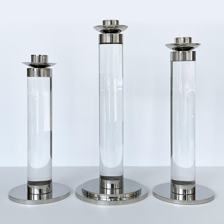 Set of Three Lucite and Chrome Candlesticks In Good Condition For Sale In Chicago, IL