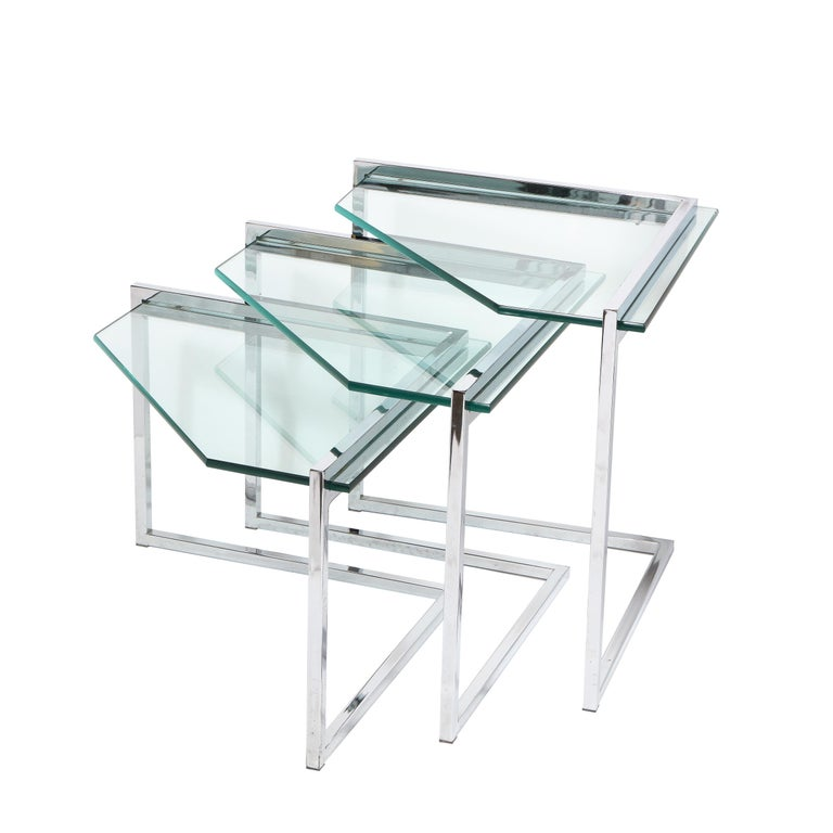 Set of Three Mid-Century Modern Geometric Chrome and Glass Chevron Form Tables For Sale 8