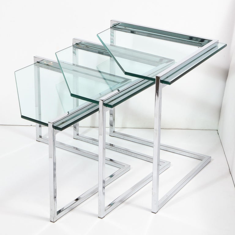 Set of Three Mid-Century Modern Geometric Chrome and Glass Chevron Form Tables For Sale 4