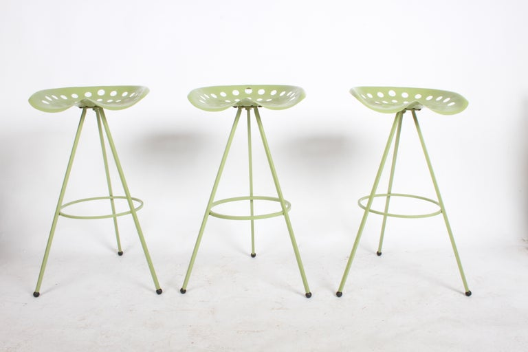 Marvelous Set Of Three Midcentury Tractor Seat Bar Stools Restored Dailytribune Chair Design For Home Dailytribuneorg