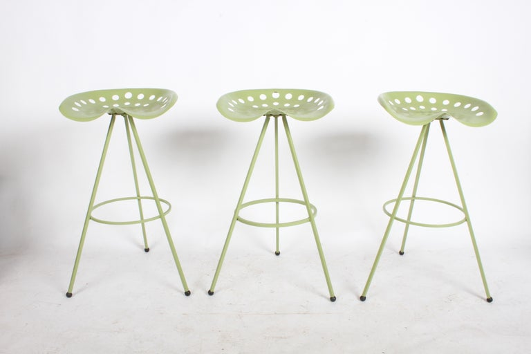 Set of Three Midcentury Tractor Seat Bar Stools, Restored  In Good Condition For Sale In St. Louis, MO
