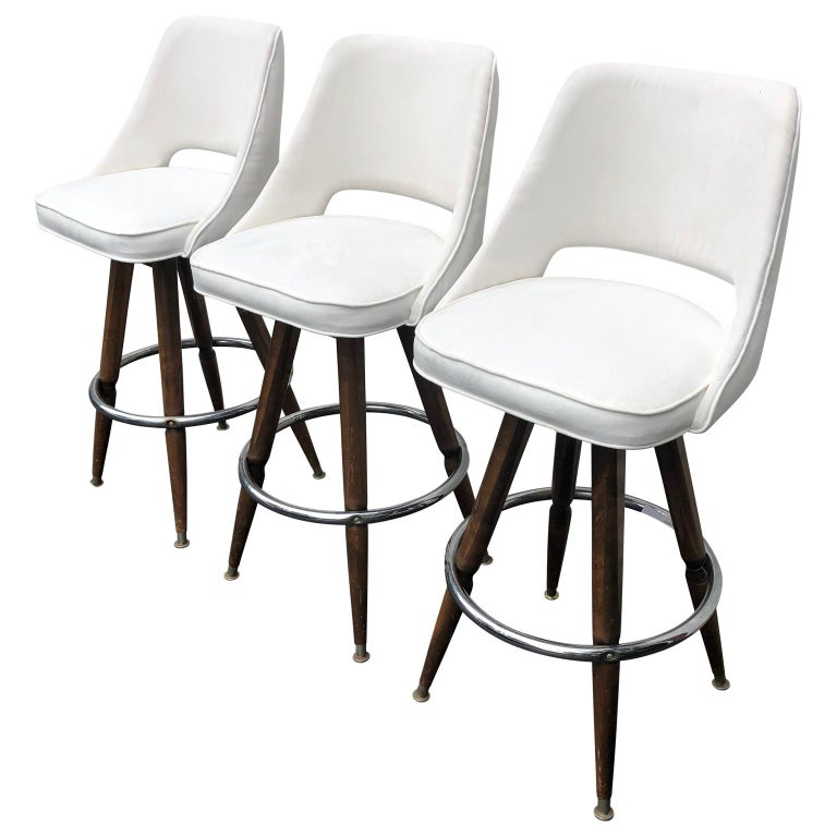 American Set Of Three Mid-Century White Faux-Suede Bar Stools For Sale