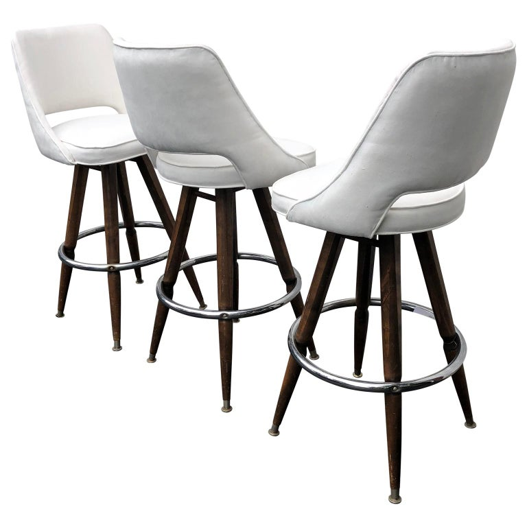 Set Of Three Mid-Century White Faux-Suede Bar Stools For Sale 1