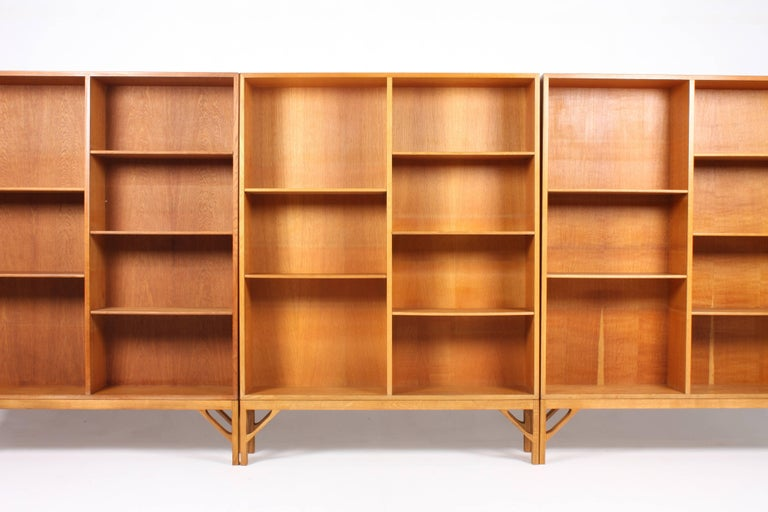 Scandinavian Modern Set of Three Midcentury Bookcases in Oak by Børge Mogensen, Made in Denmark For Sale