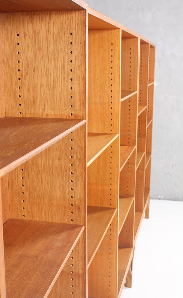 Set of Three Midcentury Bookcases in Oak by Børge Mogensen, Made in Denmark In Good Condition For Sale In Lejre, DK