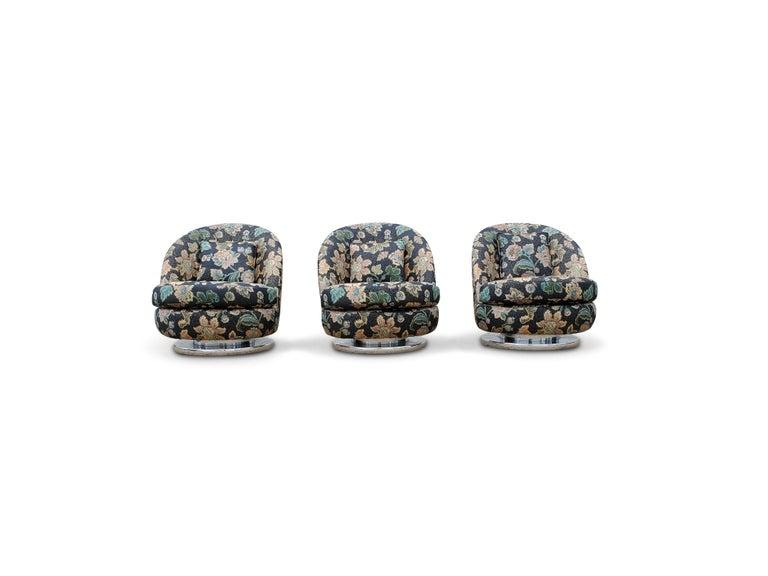 20th Century Set of Three Milo Baughman Tilt & Swivel Lounge Chairs Chrome Bases For Sale