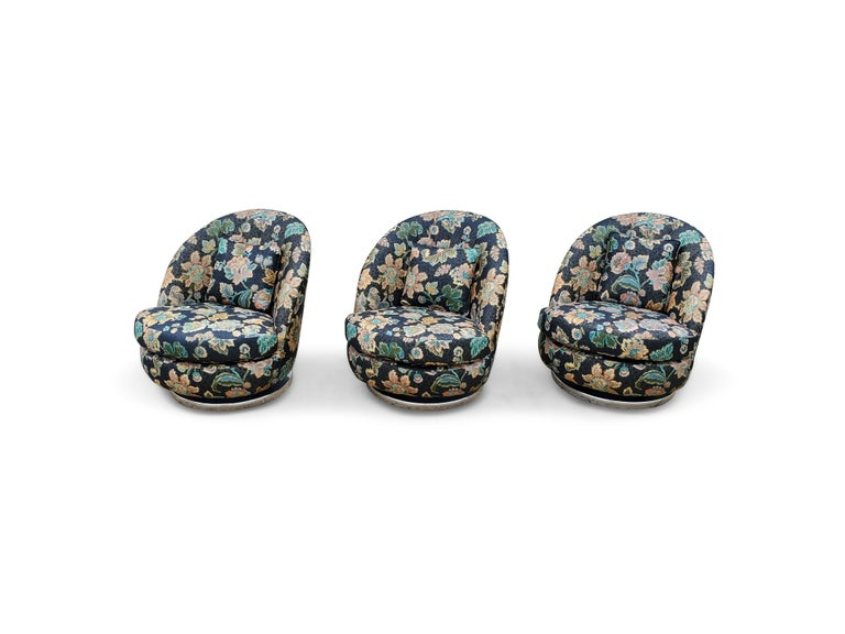 Set of Three Milo Baughman Tilt & Swivel Lounge Chairs Chrome Bases For Sale 1