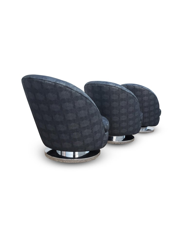 Set of Three Milo Baughman Tilt and Swivel Lounge Chairs Chrome Bases   For Sale 1