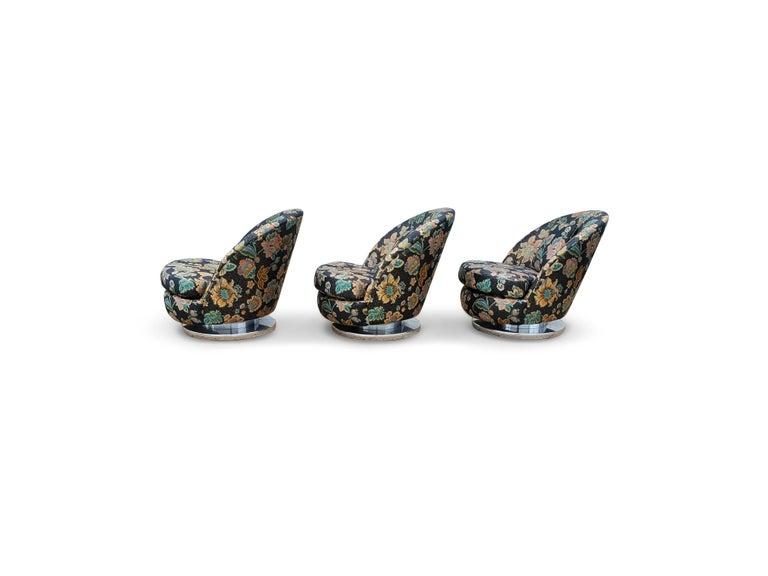 Set of Three Milo Baughman Tilt & Swivel Lounge Chairs Chrome Bases For Sale 2