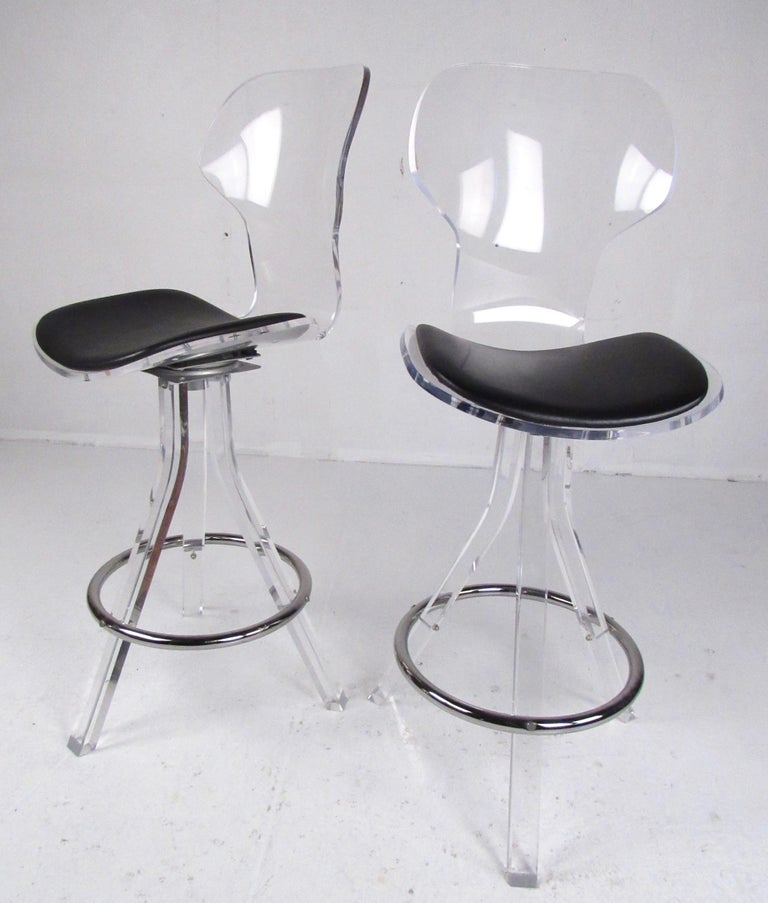 Set of Three Modern Lucite Swivel Bar Stools For Sale 1
