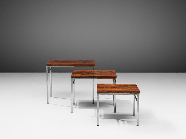 Late 20th Century Set of Three Nesting Tables in Chrome and Wood For Sale