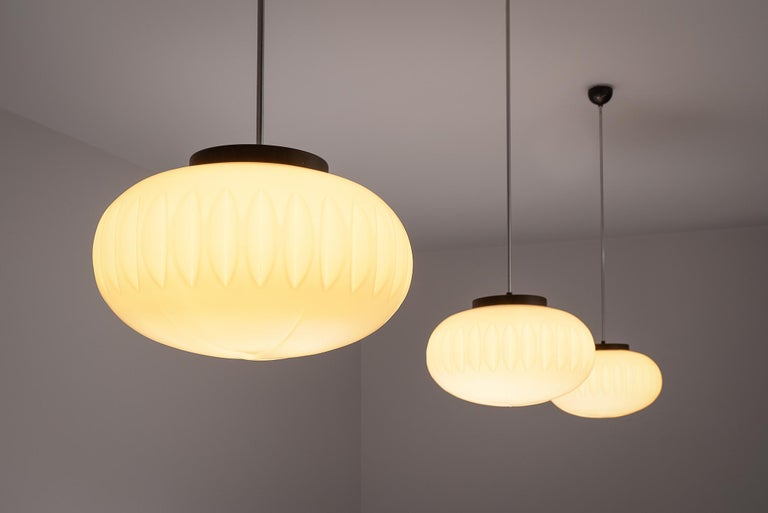 Set of Three Opaline Glass Pendants with Structured Spheres In Good Condition For Sale In Waalwijk, NL