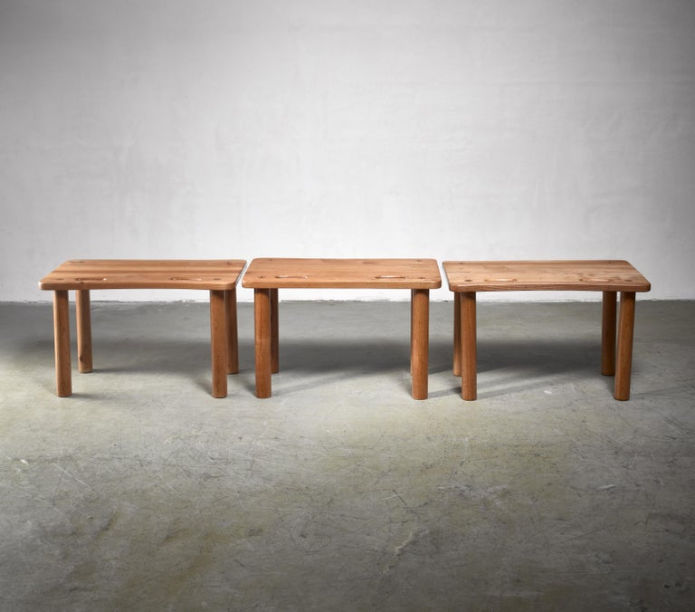 Set of Three Pine Benches or Side Tables in Campaign Style In Good Condition For Sale In Maastricht, NL