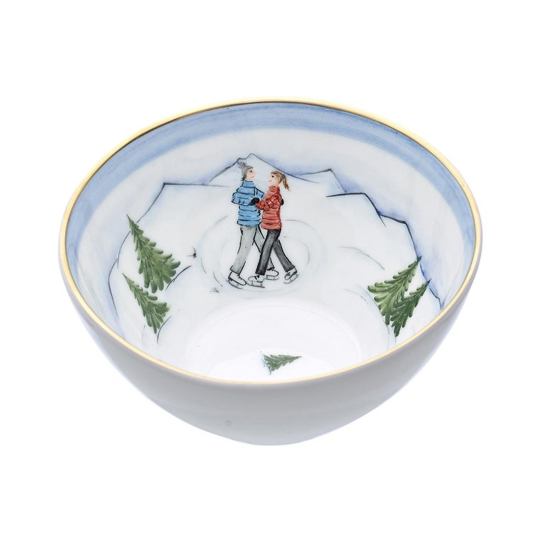 These completely handmade porcelain bowls are painted by hand with a charming hands-free winter decor. Teh decor comes as a set of three decors. One shows a boy on a sladder, the second bowl is hands-free painted with a pair of ice skater. The third