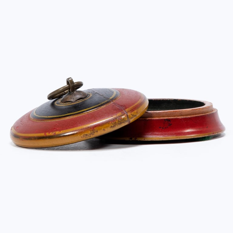 Set of Three Red Lacquer Betel Boxes For Sale 5