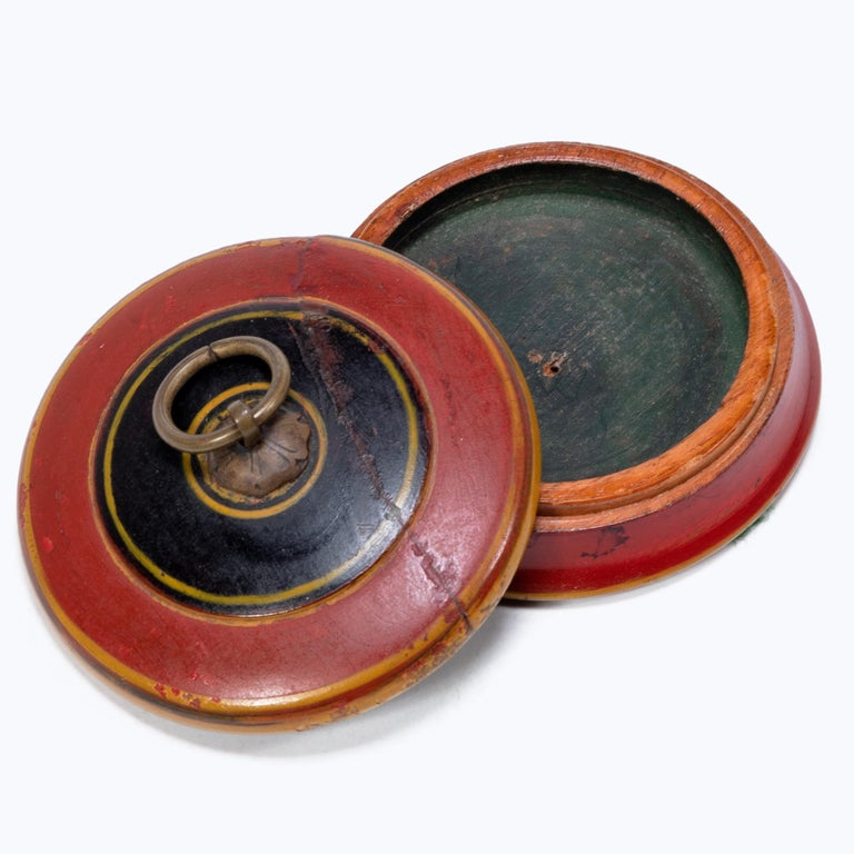 Set of Three Red Lacquer Betel Boxes For Sale 6