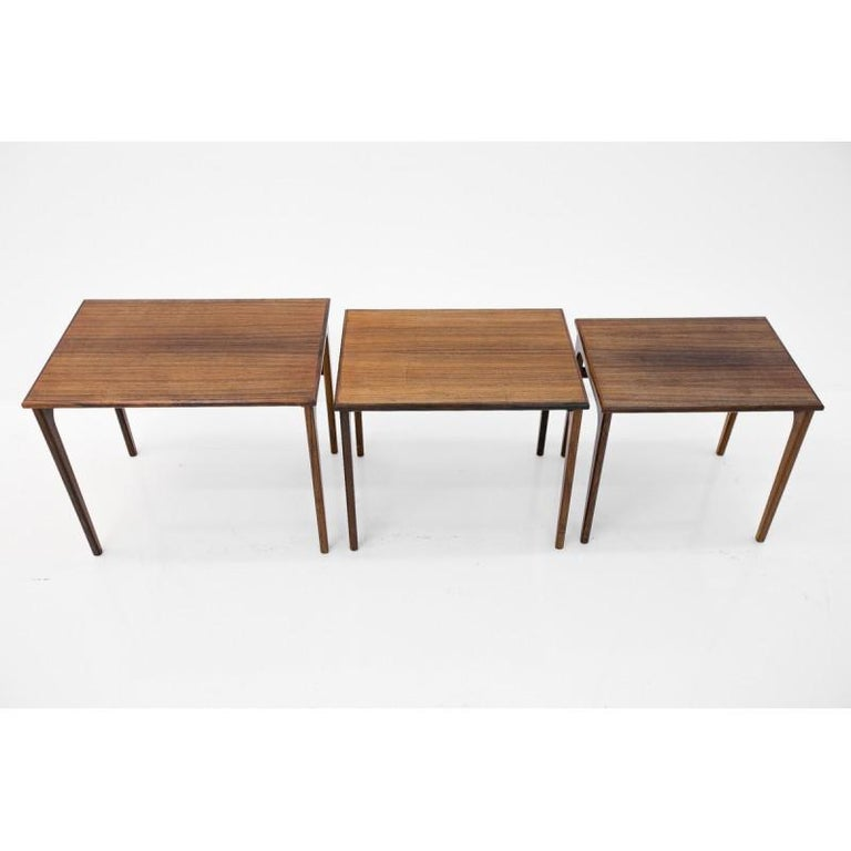 Set of Three Rosewood Nesting Tables, Scandinavian Modern, 1970s In Good Condition For Sale In Chorzów, PL
