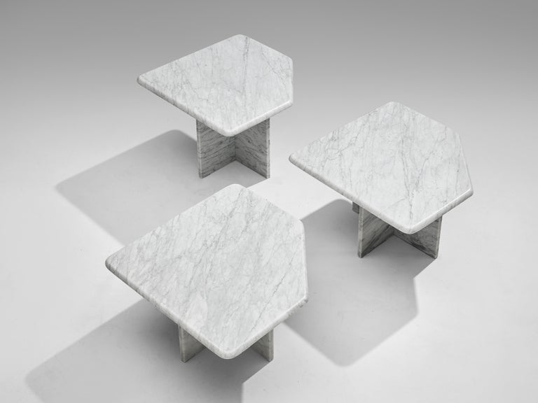 Late 20th Century Set of three Sculptural Side Tables in White Marble For Sale