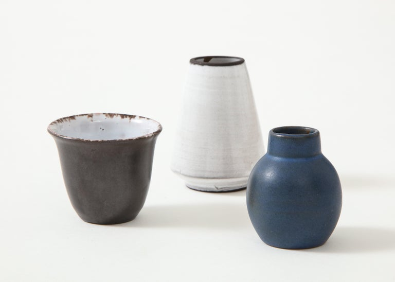 Set of Three Small Midcentury Vases, Delft, Netherlands In Good Condition For Sale In Brooklyn, NY