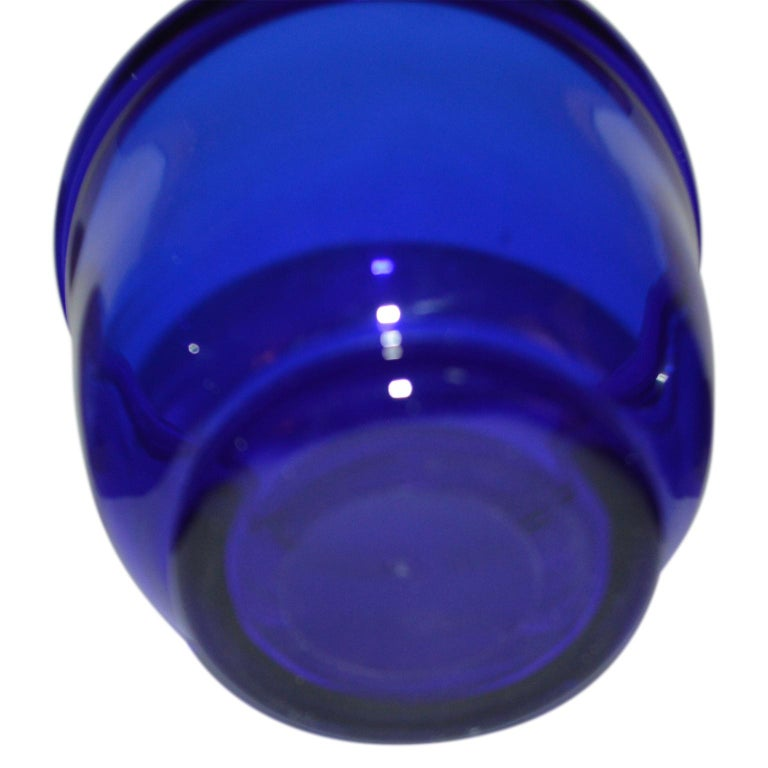 Hand-Crafted Set of three Small Swedish Cobalt Blue Hand Blown Glass Bowl or Trinkets For Sale