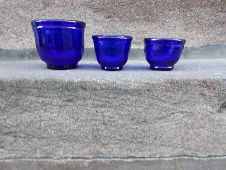 Set of three Small Swedish Cobalt Blue Hand Blown Glass Bowl or Trinkets For Sale 1