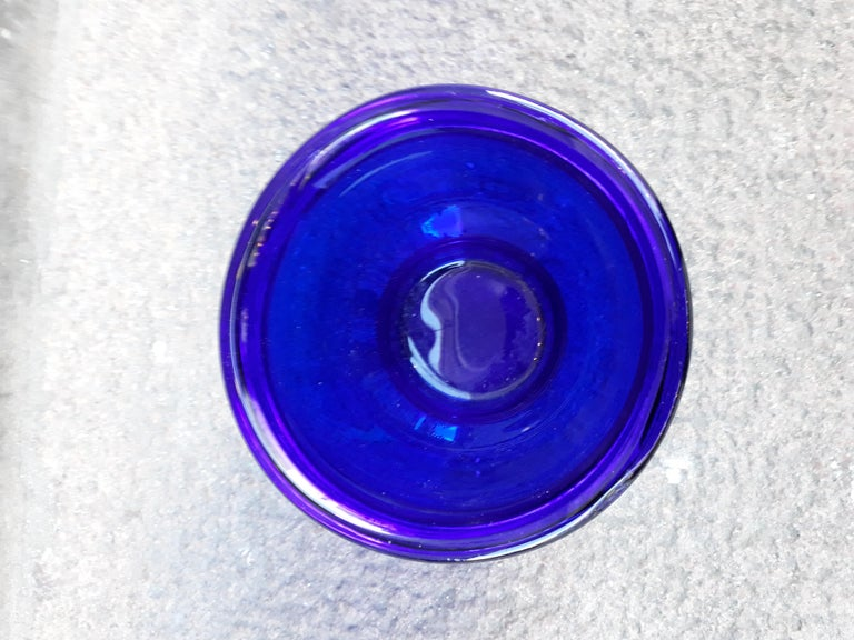 Set of three Small Swedish Cobalt Blue Hand Blown Glass Bowl or Trinkets For Sale 3