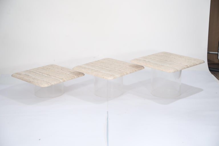 Set of Three Travertine Tables with Cylindrical Lucite Bases, circa 1970s In Excellent Condition For Sale In Los Angeles, CA