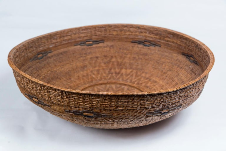 Hand-Woven Set of Three Vintage Asian Baskets, 20th Century For Sale
