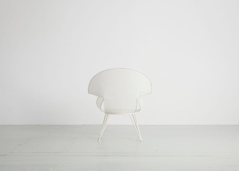Set of Three White Garden Chairs and a Fitting Side Table from Italy, 1950 For Sale 3
